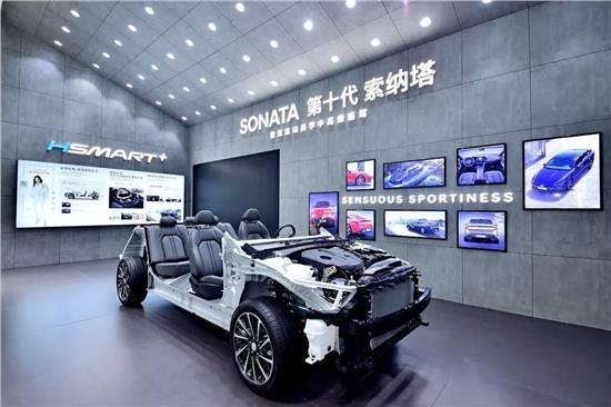 北京现代新产品、新技术耀动蓉城