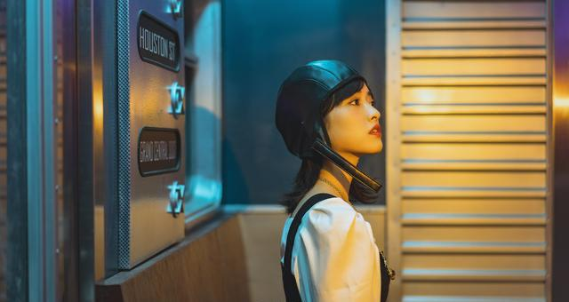 沈月最新造型曝光,甜美少女酷飒飞行帽,小个子也能驾驭酷炫风