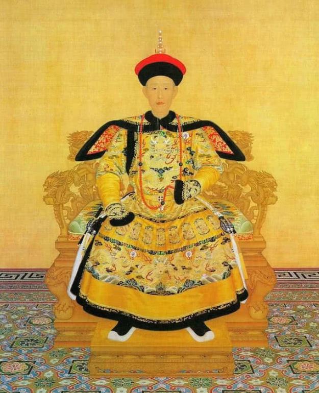 只有秦始皇穿龙袍是黑色,之后的帝王只穿黄色?专家:他们不敢