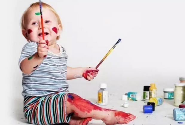 宝宝的艺术启蒙,不必非要花钱报班,抓住画画的4阶段在家也能做