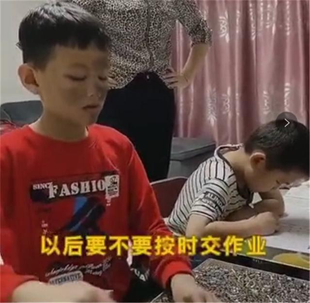 """""""最硬核妈妈""""走红!孩子不想写作业一招解决,网友:我也要试试"""