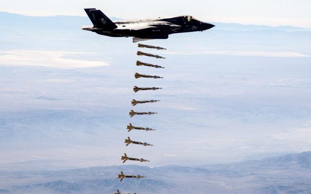 """光与""""死神""""!美军""""宝石路""""激光制导炸弹,如何做到精确打击?"""