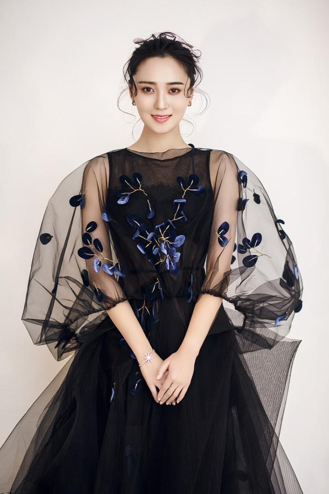 赵斯韬《怦然心动的小姐姐》饰HR 角色鲜活演技扎实