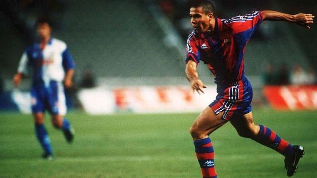 外星人罗纳尔多只在巴塞罗那呆了辉煌的一个赛季,到底发生了什么