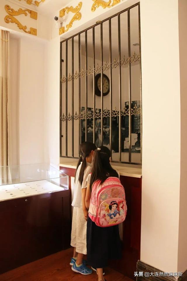 大连小学师生走进文博玫瑰园研学