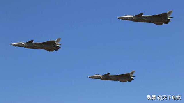 """印度空军""""自信"""":声称苏-30MKI可300公里外发现歼-20战机"""
