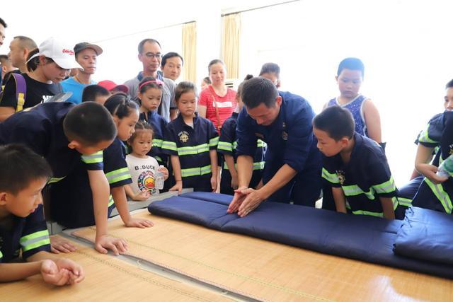 桂林市永福消防大队举办大型消防安全教育亲子拓展活动