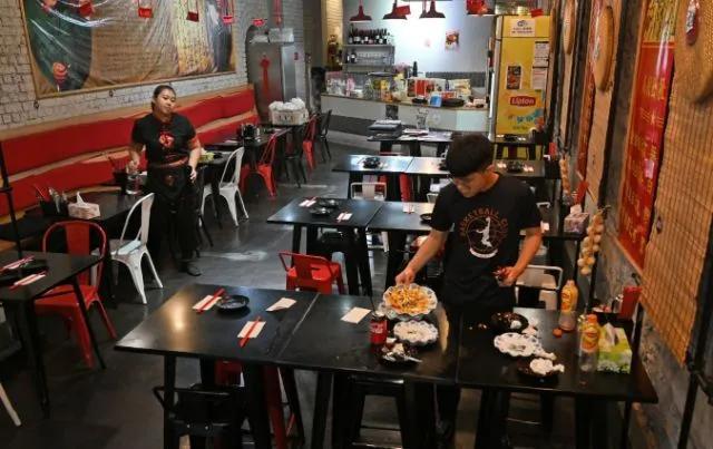 越来越多的外国中餐厅选择倒闭,中餐厅老板:好事