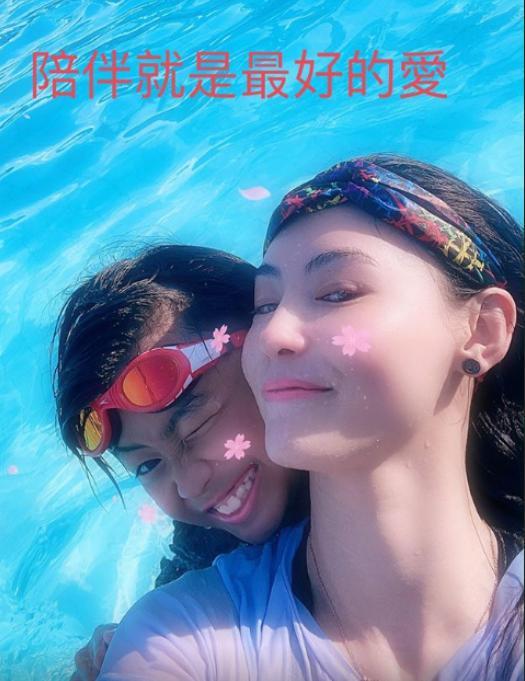 张柏芝和儿子一起游泳,网友提醒谢霆锋要多陪伴孩子
