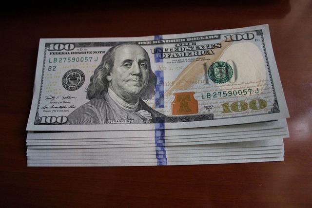 36天印鈔14萬億美元,美國檯面上雖然強硬,但暗地裡已經撐不住了
