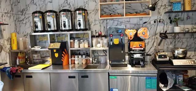 10万可以开个奶茶店吗?