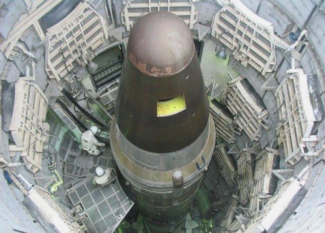 不甘心失败,美国新锐驱逐舰要配弹道导弹,打击能力不敌阿利伯克