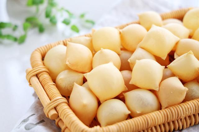 豆腐皮還能這樣吃?烤一烤瞬間變小零食,咬一口嘎嘣脆,太香脆了