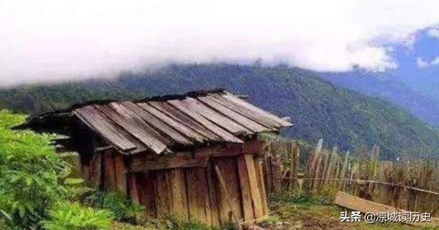 盗墓贼在山上发现大墓,在山顶建房作掩护,偷偷挖掘25年