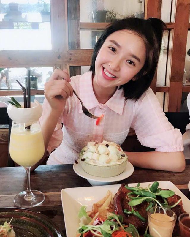 唐艺昕当妈后体重仍不超过90斤,看到她的三餐后,网友:我酸了