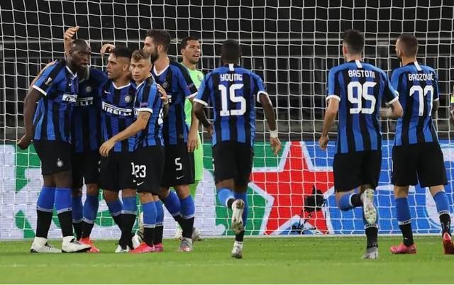冲击冠军!一场2-0让国际米兰晋级八强,曼联水货破门追平历史