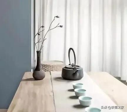 铁壶的极简主义美学