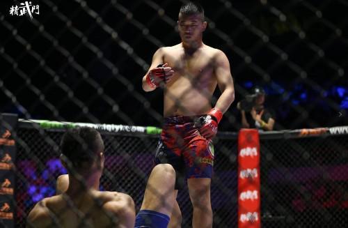 老外拳手脱臼中国医生神奇疗法惊呆千万网友,爆红网络