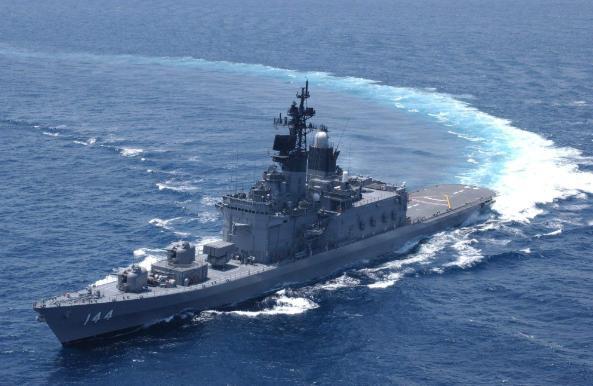 日本野心不再隐藏,军舰阿曼湾海域猛烈开火,向对手发出严厉警告