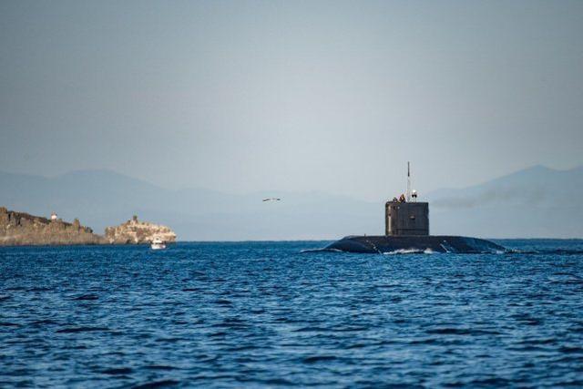 """俄太平洋舰队在日本海演习,潜艇成功混入""""敌编队""""发起攻击"""