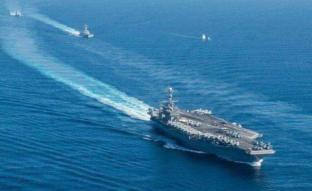 欲恐吓中国?美双航母南海军演,美前军官:遭到中方火控雷达瞄准