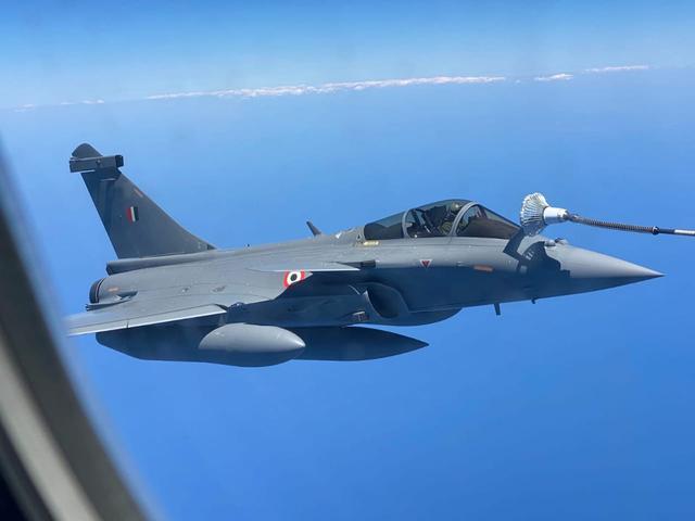 印度空军退役将军:国产光辉MK2战机首飞比阵风晚40年,所以更强
