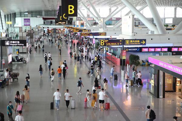 郑州机场今年以来发送旅客超1000万人次