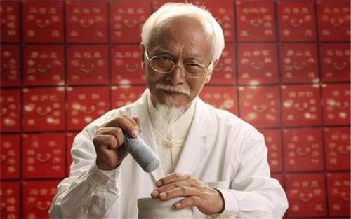"""中医解读糖尿病:白水里加点""""它"""",坚持半月,血糖稳稳降"""