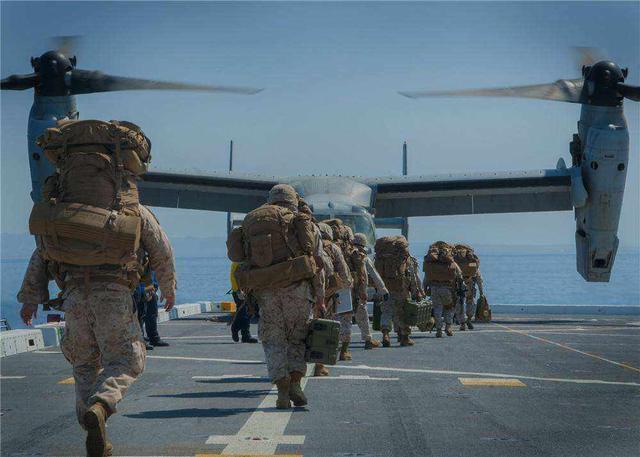 意识到7380亿军费太多?美国人呼吁消减军费,美专家给出应对妙招