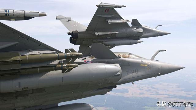 """""""阵风""""战机还剩10天到货,印度网友:马上就能碾压歼-20了"""