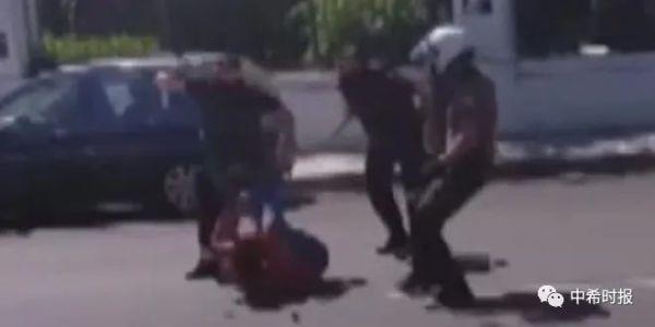 希腊一青年参与示威游行被警方暴力殴打,一个月后死亡引争议