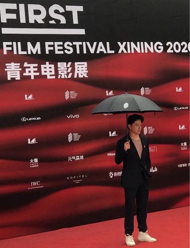 从段奕宏身材看演员的自律 电影展红毯表现碾压流量小生