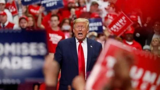 最新民意调查显示,特朗普位列美国历史上44位总统倒数第一