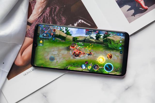 上分必选!骁龙865&高刷屏,专业游戏手机选购指南