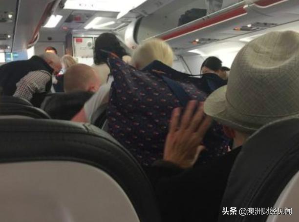 """昆州封关在即!大批悉尼人蜂拥""""出逃""""飞机上的乘客很慌"""