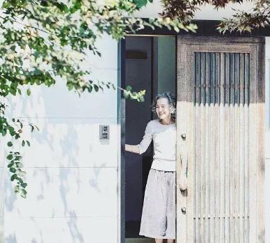 74岁的日本主妇晒精致生活照走红,网友:她是真正把日子过成了诗
