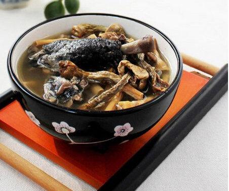 吃货美食:松茸乌鸡汤,榴莲壳瘦肉汤,素炒凉皮的做法