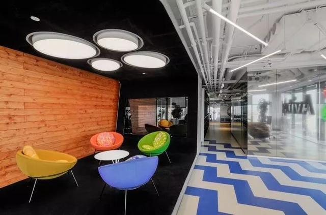 办公室太单调?巧用家具玩转办公空间!
