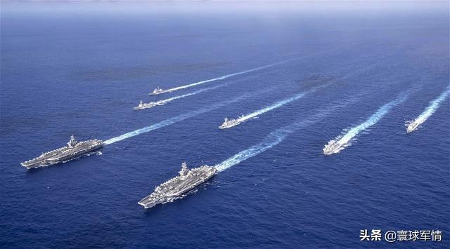 美军挥舞双航母大棒,百架舰载战斗机严阵以待,剑指亚太凶神恶煞