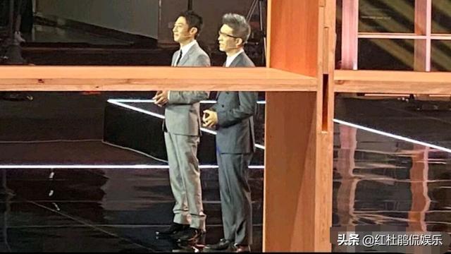 2020年央视《开学第一课》在武汉录制,主持人是撒贝宁和朱广权