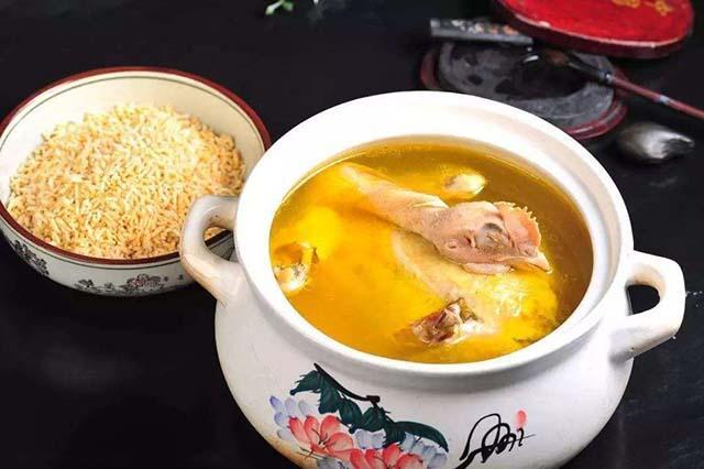 越嚼越香的安庆美食,老母鸡汤泡炒米,这是一碗不