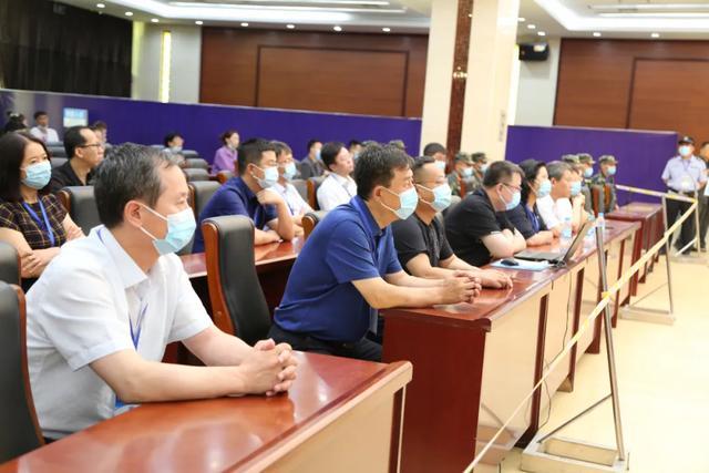 马某某等28人涉黑案件在榆林公开庭审