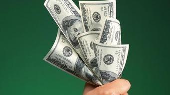 """巴菲特手握万亿""""屠刀"""",尽显美国经济悲歌,财富分配大洗牌开始"""