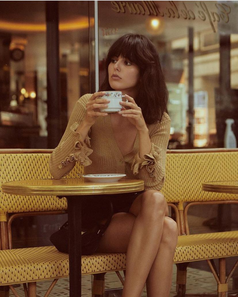 法式风格有新元素,用巴黎老灵魂的腔调感,穿出都市摩登范