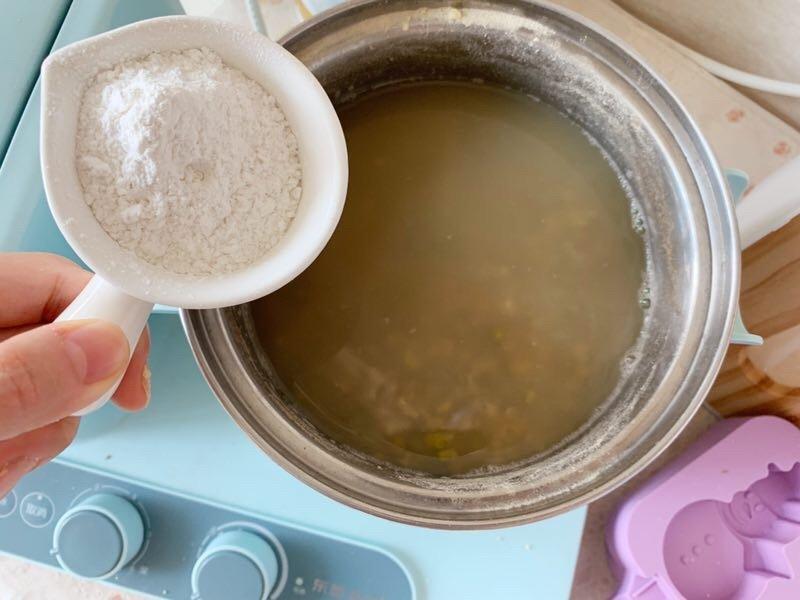 在家自制绿豆冰棍,冰凉爽口美味,3小时就能吃,再也不花钱买了