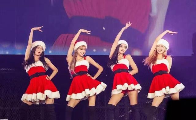 小孩子才要圣誕禮物,大人都是在等辣妹們的圣誕裝...