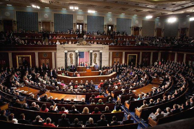 美国新法案令人心寒,华人大学生不得超过5%,华裔议员投票赞同