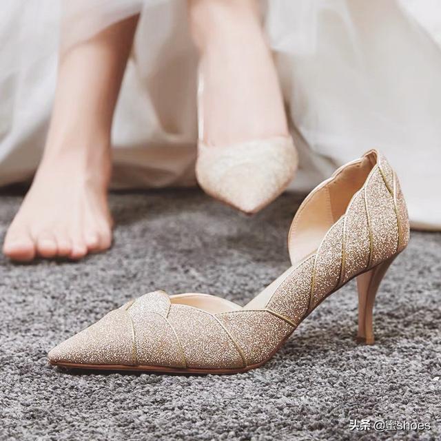 除了会选高跟鞋,女人也要会挑婚鞋!这些选择的技巧你了解吗