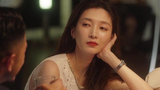 王漫妮拒绝邮轮男背后的原因:30岁女人的爱情不能只有浪漫
