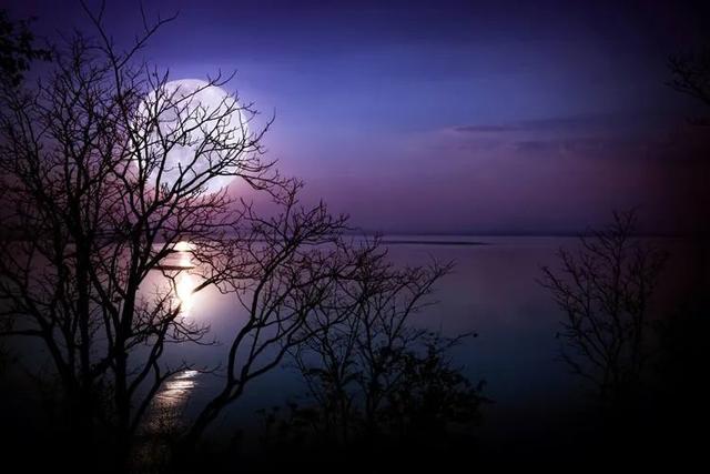 如何才能拍摄漂亮又清晰的月亮